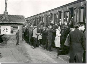 De klompetrein bij stopplaats Leeuwarden Achter de Hoven