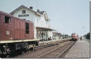 Station Veenwouden met NS 2494 en een Rode Duivel (1969)